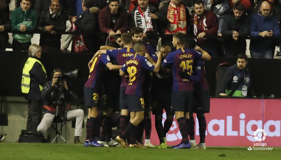 صور مباراة : رايو فاليكانو - برشلونة 2-3 ( 03-11-2018 )  W_900x700_03223459_pma7854