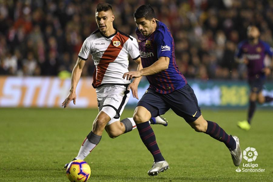 صور مباراة : رايو فاليكانو - برشلونة 2-3 ( 03-11-2018 )  W_900x700_03224252_apa3244
