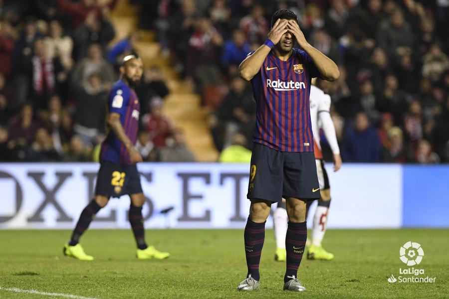 صور مباراة : رايو فاليكانو - برشلونة 2-3 ( 03-11-2018 )  W_900x700_03224848_apa3370