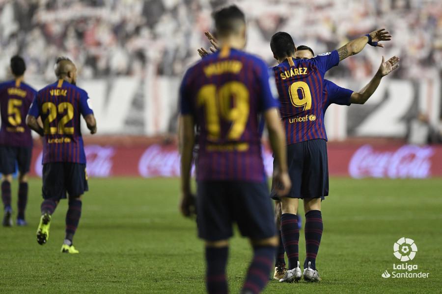 صور مباراة : رايو فاليكانو - برشلونة 2-3 ( 03-11-2018 )  W_900x700_03224925_apa3538