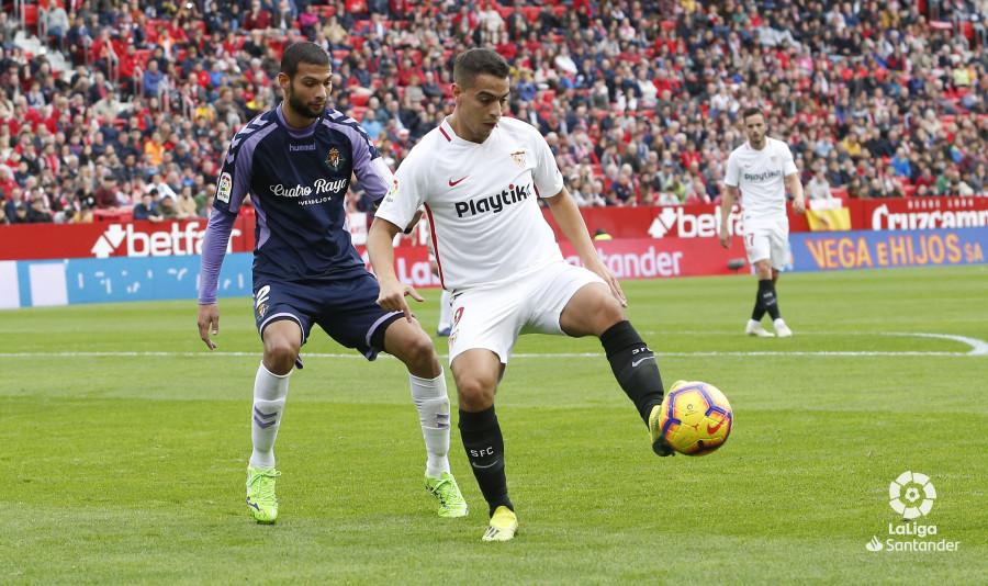 Joaquín, ante Ben Yedder, en el partido frente al Sevilla (Foto: LaLiga).