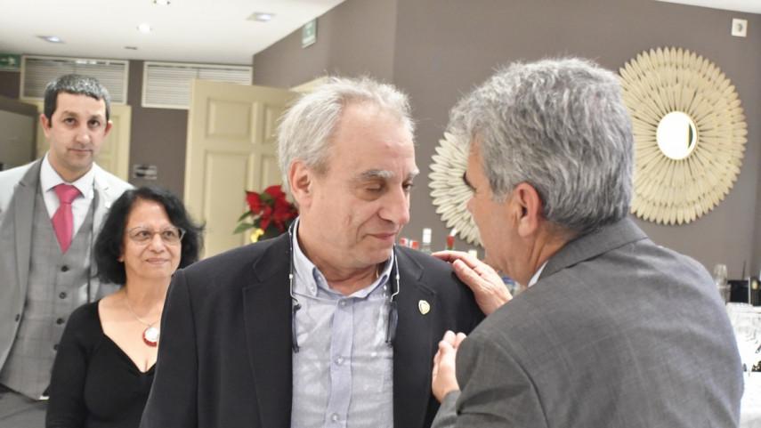 La FMP impuso el escudo de oro a Juan Carlos Pérez Frías y premió a la Peña Los Lunes