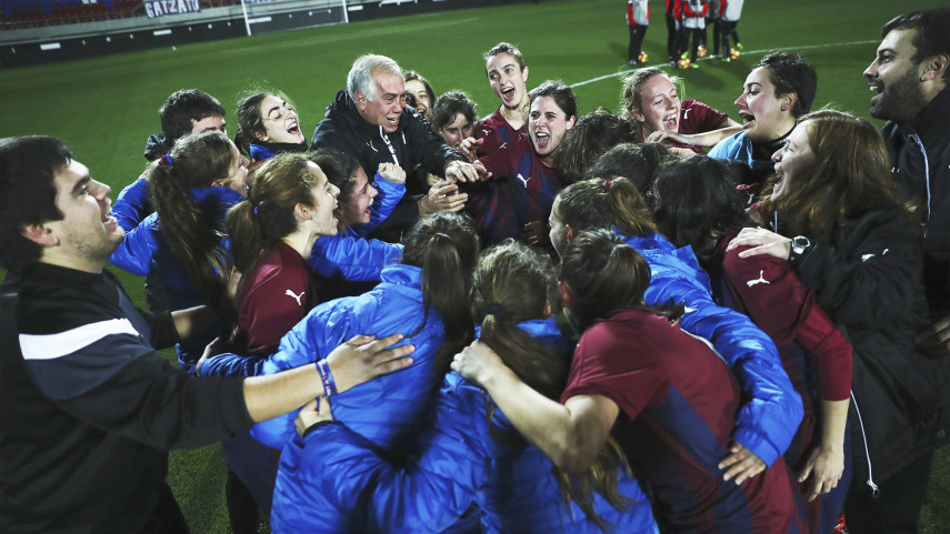 Ipurua vuelve a abrir sus puertas al fútbol femenino
