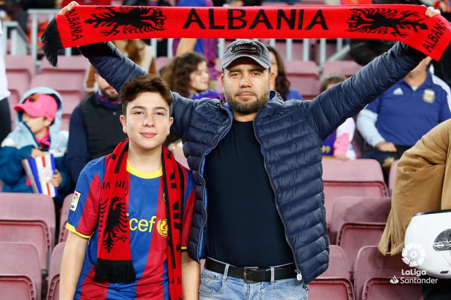 صور مباراة : برشلونة - فياريال 2-0 ( 02-12-2018 )  W_900x700_02180635_b3z1517