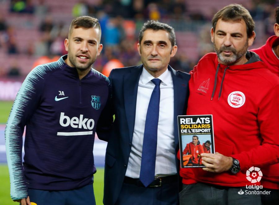 صور مباراة : برشلونة - فياريال 2-0 ( 02-12-2018 )  W_900x700_02180646_b3z1543