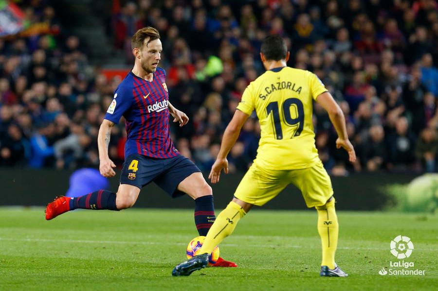 صور مباراة : برشلونة - فياريال 2-0 ( 02-12-2018 )  W_900x700_02190322img_1678