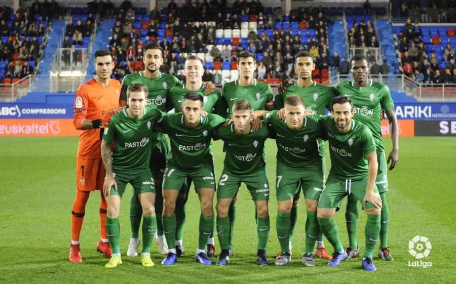 Once del Sporting de Gijón ante el Éibar en Ipurua (Foto: LaLiga).