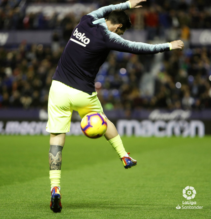 صور مباراة : ليفانتي - برشلونة 0-5 ( 16-12-2018 )  W_900x700_16203349levante-bar-a01
