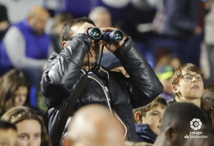 صور مباراة : ليفانتي - برشلونة 0-5 ( 16-12-2018 )  W_900x700_16203352levante-bar-a02