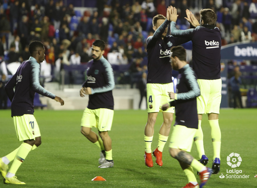 صور مباراة : ليفانتي - برشلونة 0-5 ( 16-12-2018 )  W_900x700_16203354levante-bar-a03