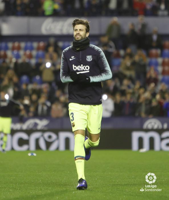 صور مباراة : ليفانتي - برشلونة 0-5 ( 16-12-2018 )  W_900x700_16203401levante-bar-a05