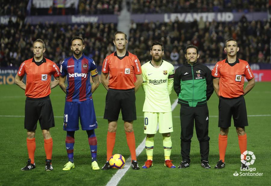 صور مباراة : ليفانتي - برشلونة 0-5 ( 16-12-2018 )  W_900x700_16205234levante-bar-a10