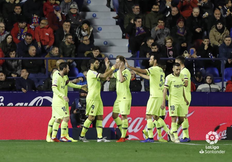 صور مباراة : ليفانتي - برشلونة 0-5 ( 16-12-2018 )  W_900x700_16212419levante-bar-a27