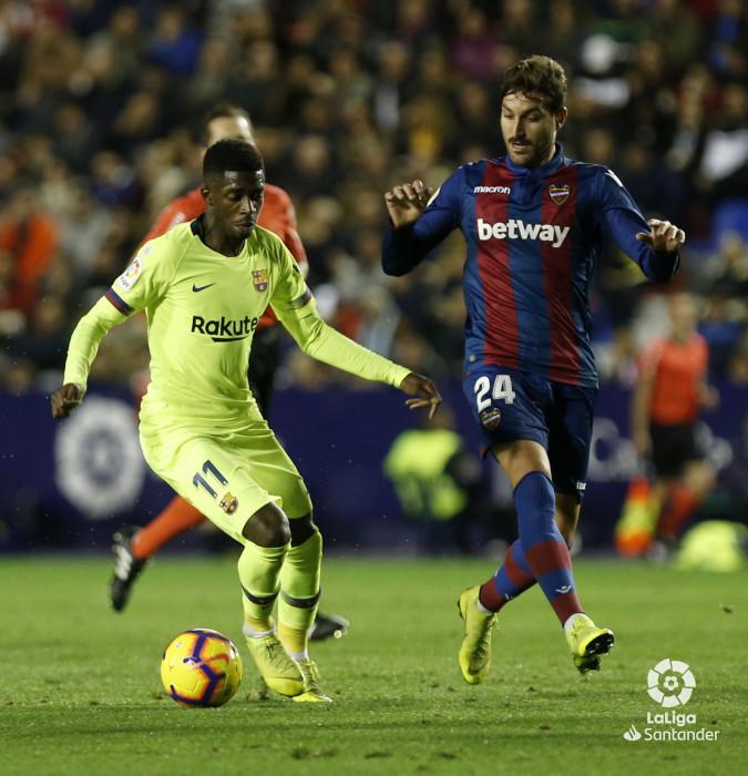 صور مباراة : ليفانتي - برشلونة 0-5 ( 16-12-2018 )  W_900x700_16213002_ap_3194
