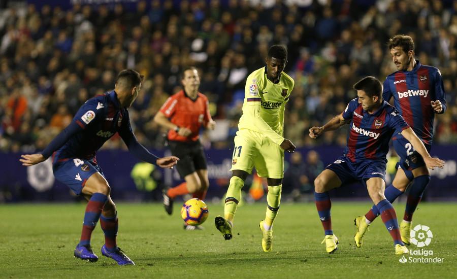 صور مباراة : ليفانتي - برشلونة 0-5 ( 16-12-2018 )  W_900x700_16213005_ap_3198