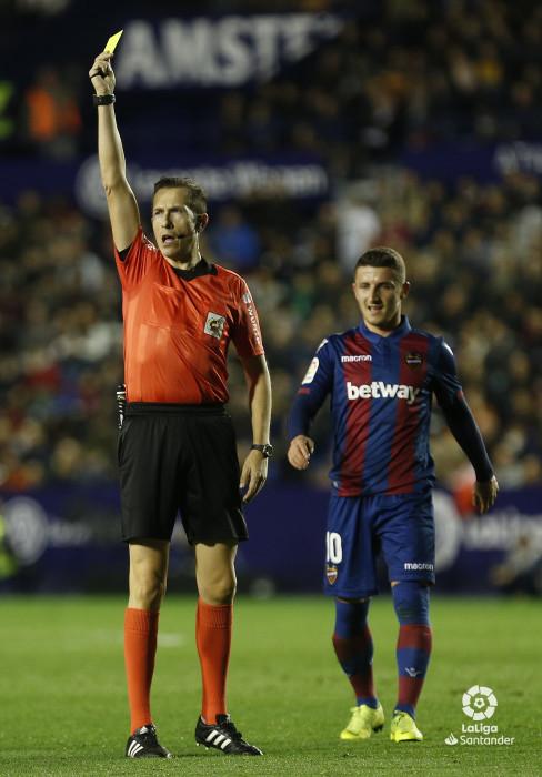 صور مباراة : ليفانتي - برشلونة 0-5 ( 16-12-2018 )  W_900x700_16213011_ap_3216