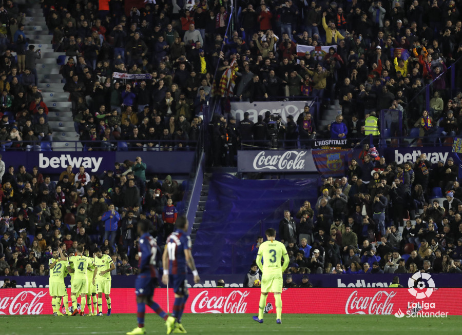 صور مباراة : ليفانتي - برشلونة 0-5 ( 16-12-2018 )  W_900x700_16213305levante-bar-a30