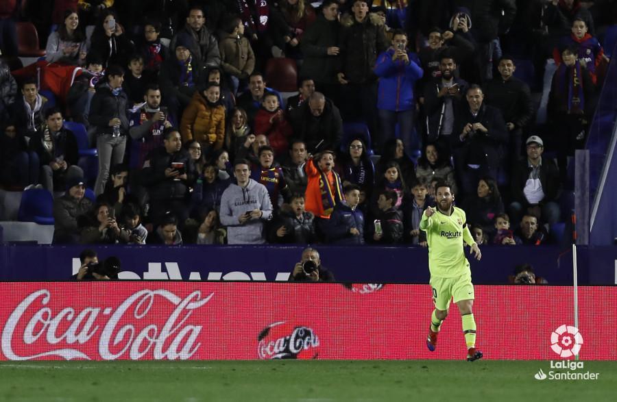 صور مباراة : ليفانتي - برشلونة 0-5 ( 16-12-2018 )  W_900x700_16213309levante-bar-a31