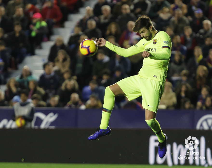 صور مباراة : ليفانتي - برشلونة 0-5 ( 16-12-2018 )  W_900x700_16213713levante-bar-a34