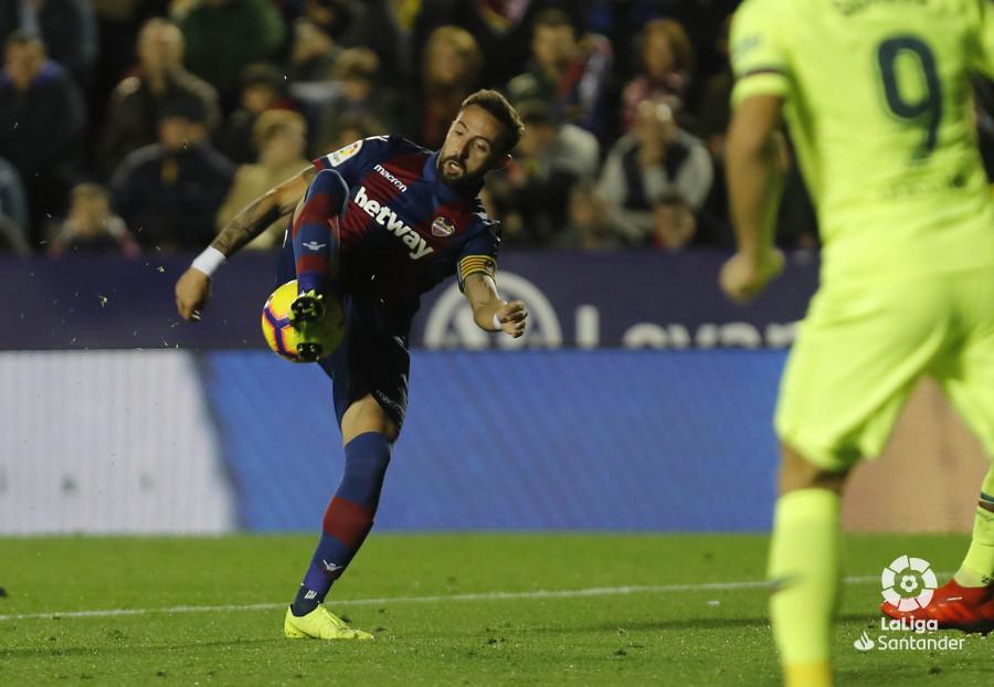 صور مباراة : ليفانتي - برشلونة 0-5 ( 16-12-2018 )  W_900x700_16213714levante-bar-a35