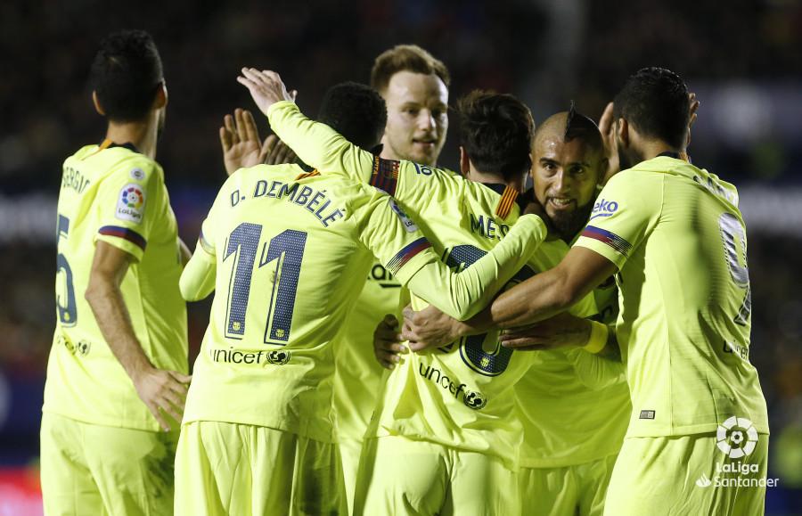 صور مباراة : ليفانتي - برشلونة 0-5 ( 16-12-2018 )  W_900x700_16214322_ap_3503
