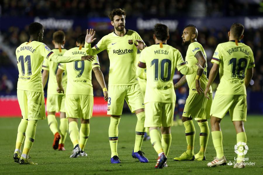 صور مباراة : ليفانتي - برشلونة 0-5 ( 16-12-2018 )  W_900x700_16214333_ap_3546