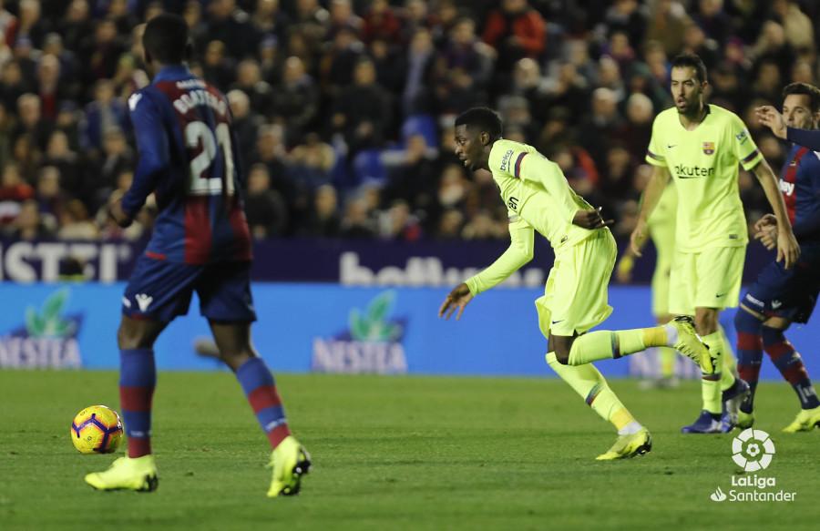 صور مباراة : ليفانتي - برشلونة 0-5 ( 16-12-2018 )  W_900x700_16214643levante-bar-a39