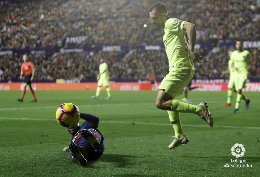 صور مباراة : ليفانتي - برشلونة 0-5 ( 16-12-2018 )  W_900x700_16214646levante-bar-a41