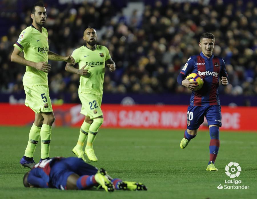 صور مباراة : ليفانتي - برشلونة 0-5 ( 16-12-2018 )  W_900x700_16214651levante-bar-a43