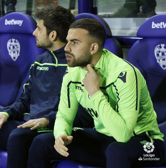 صور مباراة : ليفانتي - برشلونة 0-5 ( 16-12-2018 )  W_900x700_16215030_ap_0512