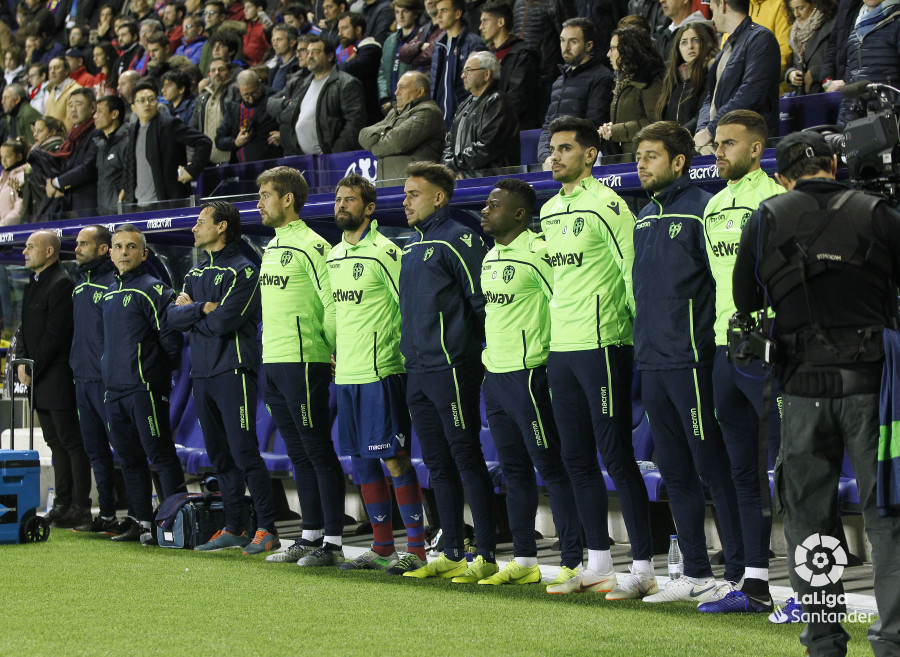صور مباراة : ليفانتي - برشلونة 0-5 ( 16-12-2018 )  W_900x700_16215042_ap_0535