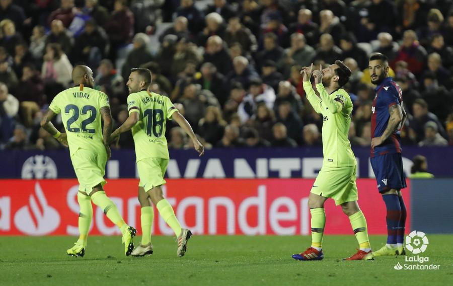 صور مباراة : ليفانتي - برشلونة 0-5 ( 16-12-2018 )  W_900x700_16215145levante-bar-a45