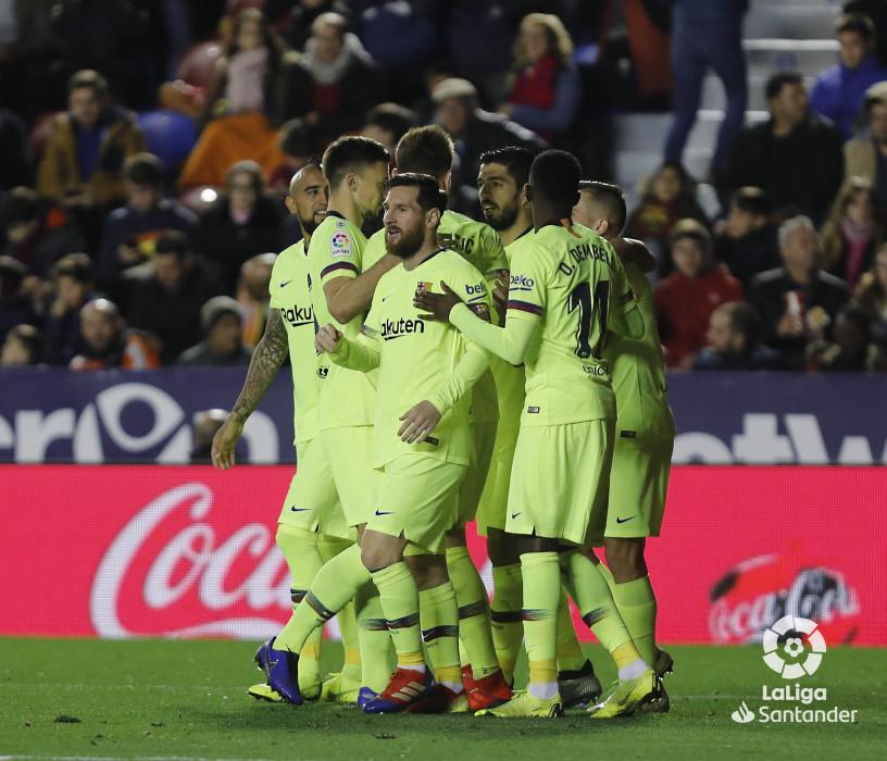 صور مباراة : ليفانتي - برشلونة 0-5 ( 16-12-2018 )  W_900x700_16215147levante-bar-a46