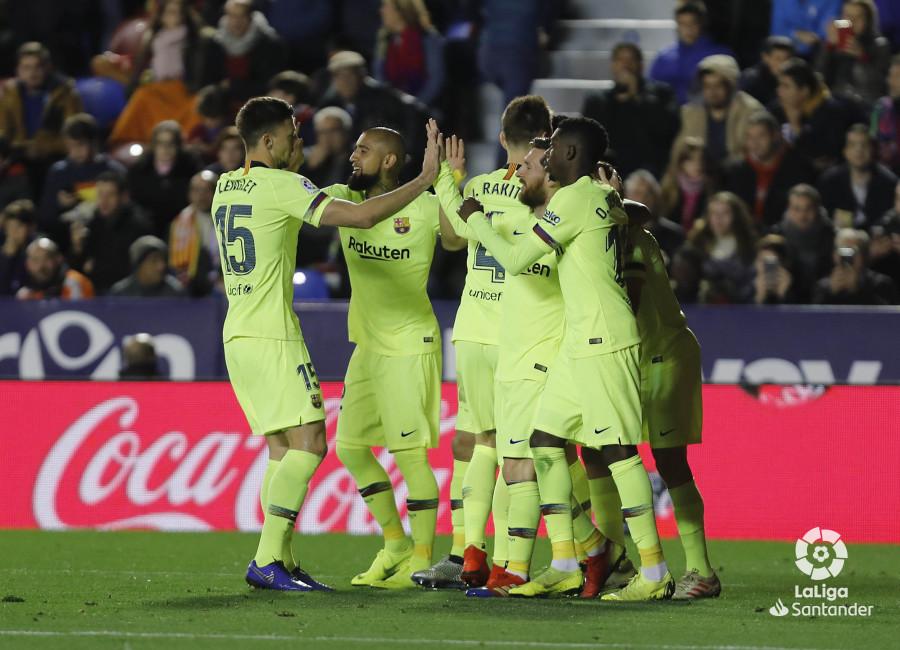صور مباراة : ليفانتي - برشلونة 0-5 ( 16-12-2018 )  W_900x700_16215149levante-bar-a47