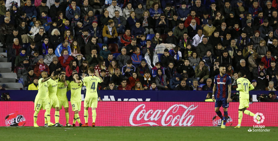 صور مباراة : ليفانتي - برشلونة 0-5 ( 16-12-2018 )  W_900x700_16215819_ap_3573