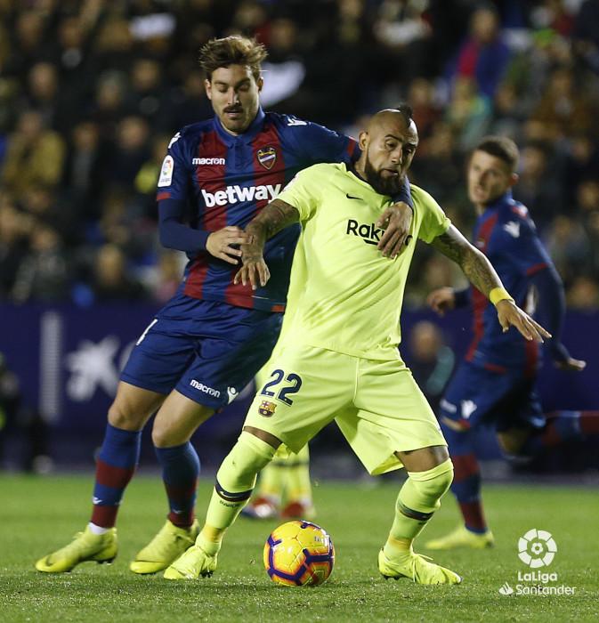 صور مباراة : ليفانتي - برشلونة 0-5 ( 16-12-2018 )  W_900x700_16215826_ap_3627