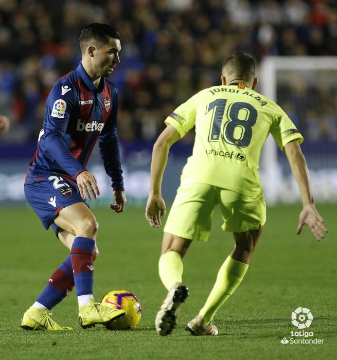 صور مباراة : ليفانتي - برشلونة 0-5 ( 16-12-2018 )  W_900x700_16220422_ap_3643
