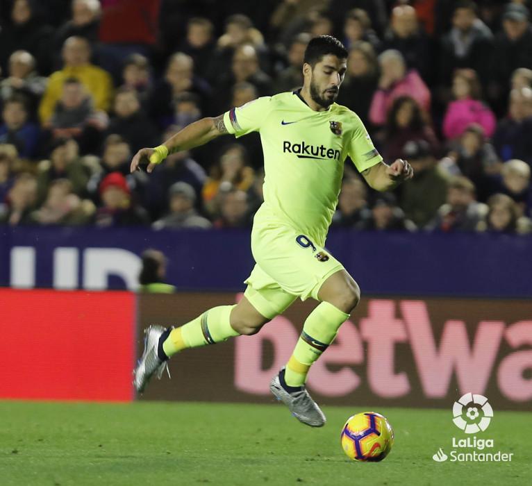 صور مباراة : ليفانتي - برشلونة 0-5 ( 16-12-2018 )  W_900x700_16221330levante-bar-a53