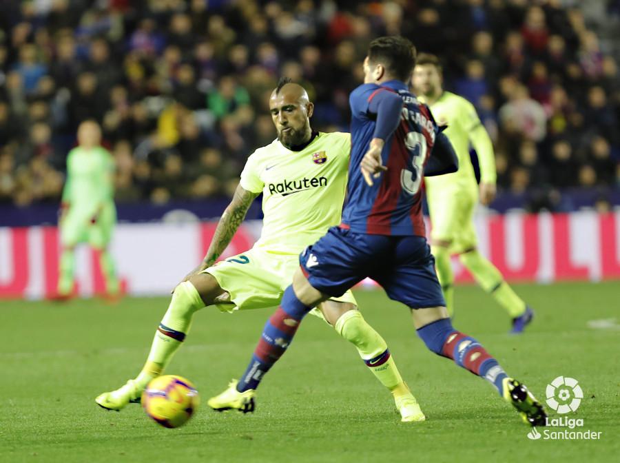 صور مباراة : ليفانتي - برشلونة 0-5 ( 16-12-2018 )  W_900x700_16221334levante-bar-a55