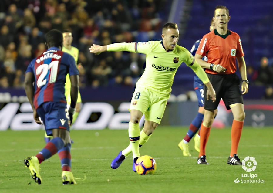 صور مباراة : ليفانتي - برشلونة 0-5 ( 16-12-2018 )  W_900x700_16221336levante-bar-a56