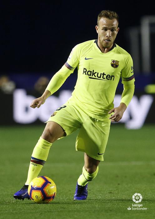 صور مباراة : ليفانتي - برشلونة 0-5 ( 16-12-2018 )  W_900x700_16222108_ap_3693