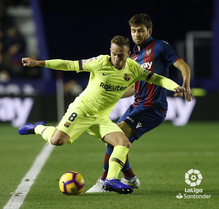 صور مباراة : ليفانتي - برشلونة 0-5 ( 16-12-2018 )  W_900x700_16222109_ap_3698