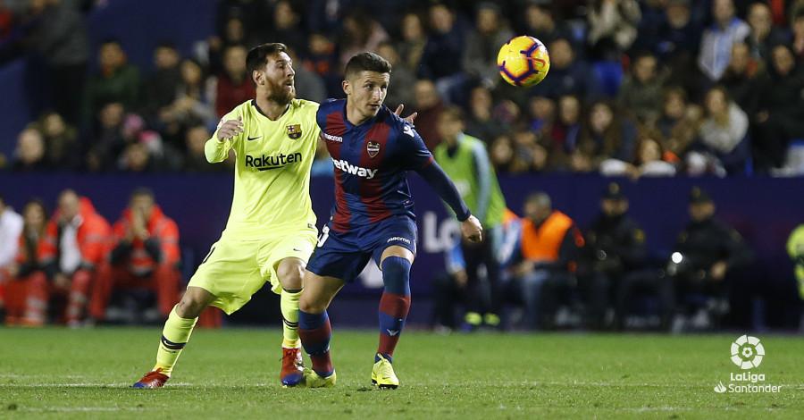 صور مباراة : ليفانتي - برشلونة 0-5 ( 16-12-2018 )  W_900x700_16222111_ap_3716