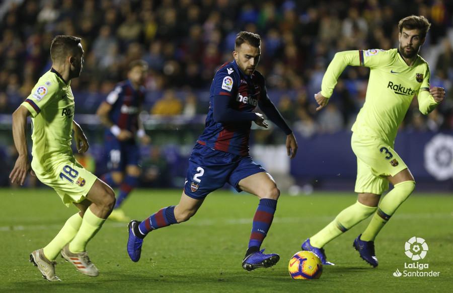 صور مباراة : ليفانتي - برشلونة 0-5 ( 16-12-2018 )  W_900x700_16222453_ap_3724