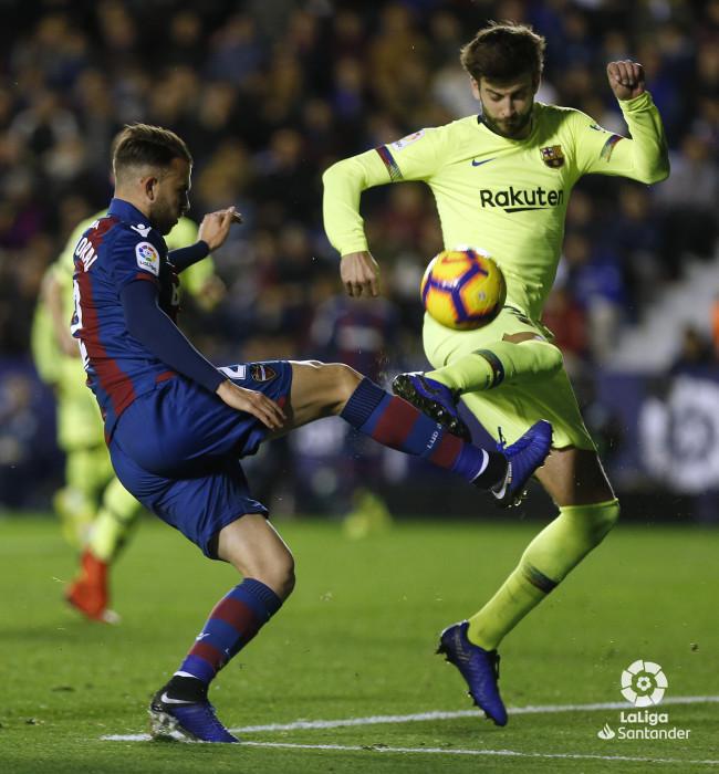 صور مباراة : ليفانتي - برشلونة 0-5 ( 16-12-2018 )  W_900x700_16222456_ap_3731