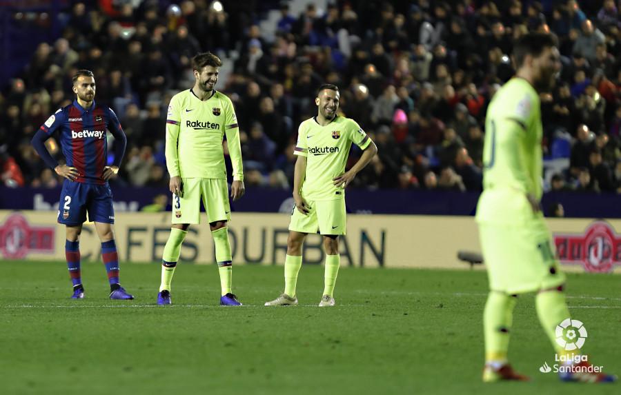 صور مباراة : ليفانتي - برشلونة 0-5 ( 16-12-2018 )  W_900x700_16223141levante-bar-a57
