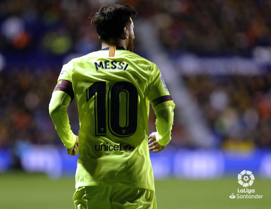 صور مباراة : ليفانتي - برشلونة 0-5 ( 16-12-2018 )  W_900x700_16223152levante-bar-a61