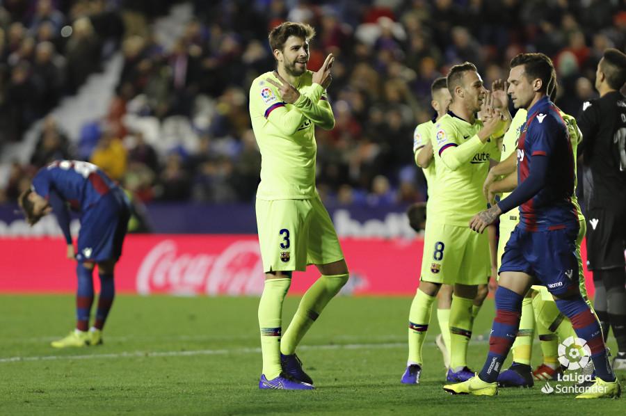صور مباراة : ليفانتي - برشلونة 0-5 ( 16-12-2018 )  W_900x700_16223159levante-bar-a63
