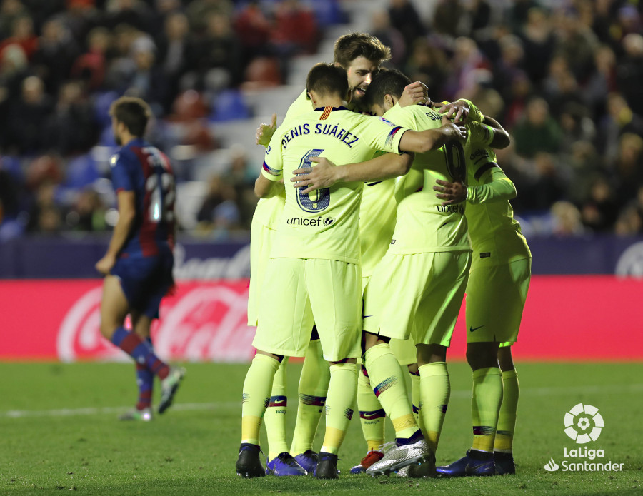 صور مباراة : ليفانتي - برشلونة 0-5 ( 16-12-2018 )  W_900x700_16223723levante-bar-a64