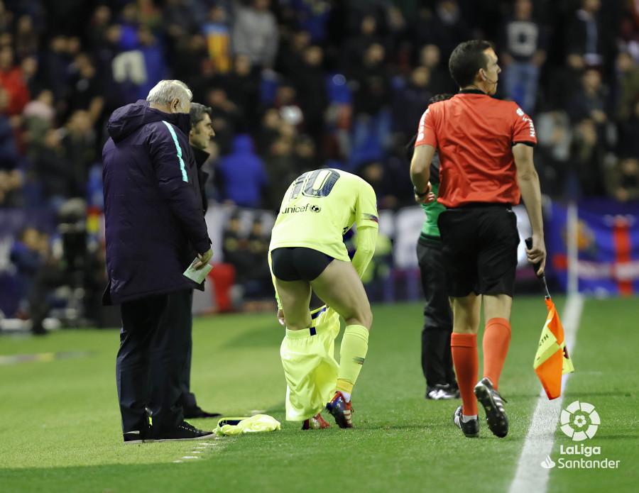 صور مباراة : ليفانتي - برشلونة 0-5 ( 16-12-2018 )  W_900x700_16223732levante-bar-a67